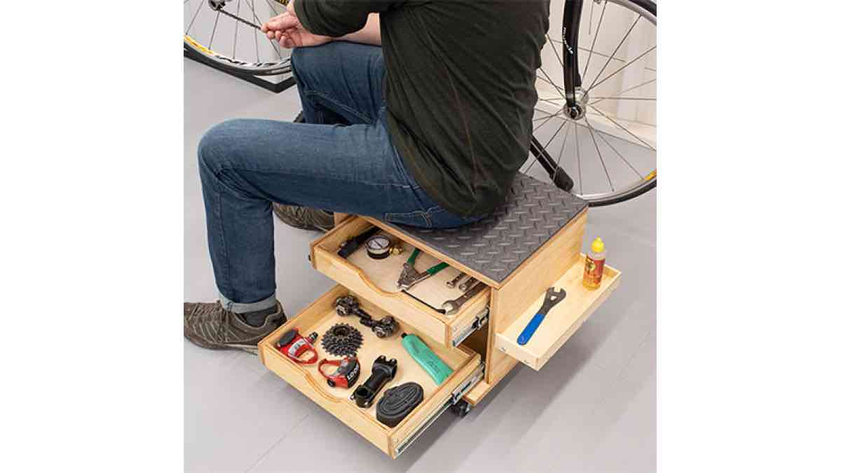Free woodworking plans to build a tool storage stool.