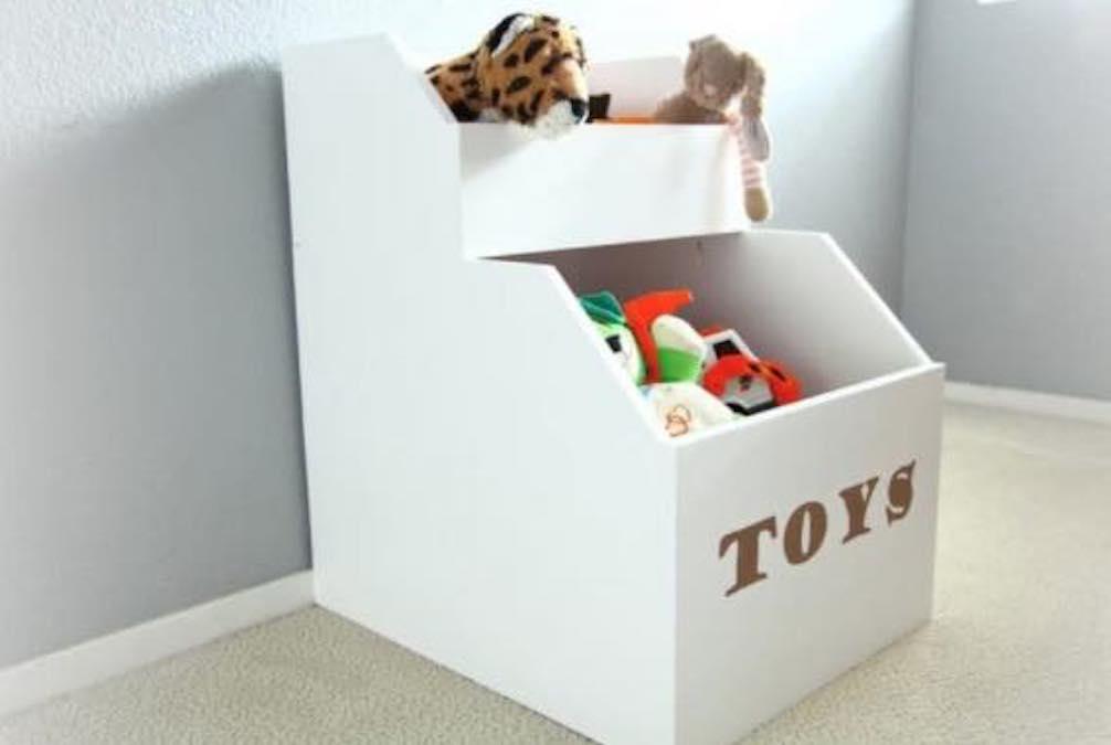 Free plans to build a Toy Storage Box.