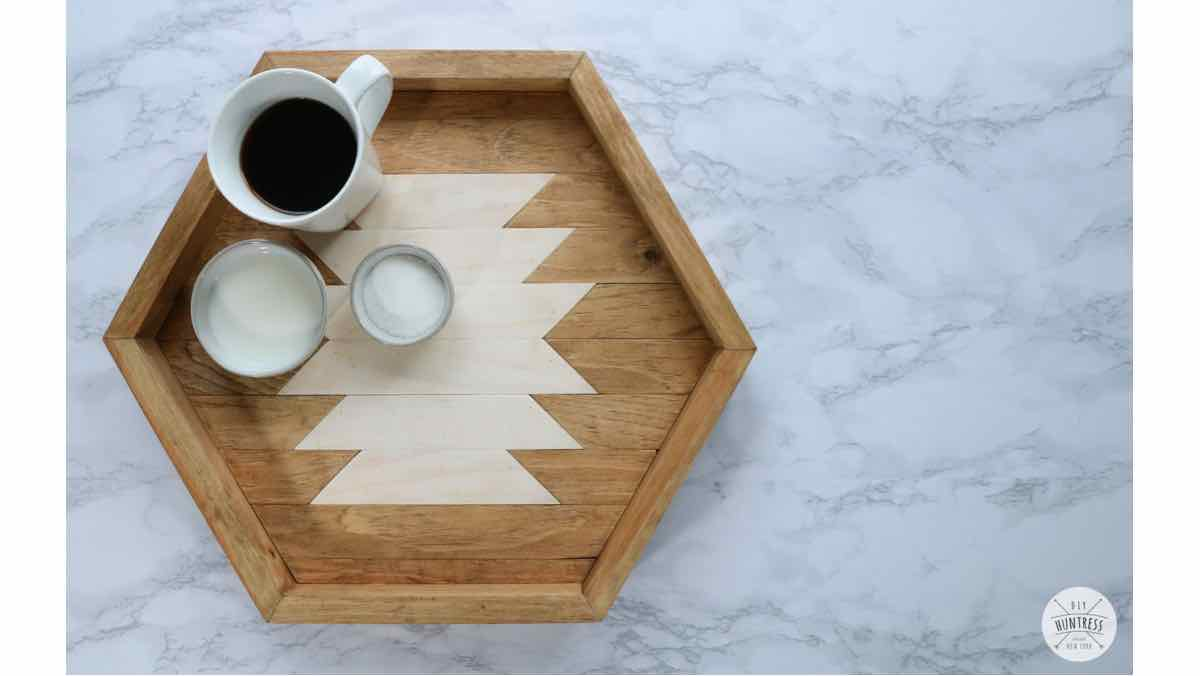 How do you make a hexagonal tray.
