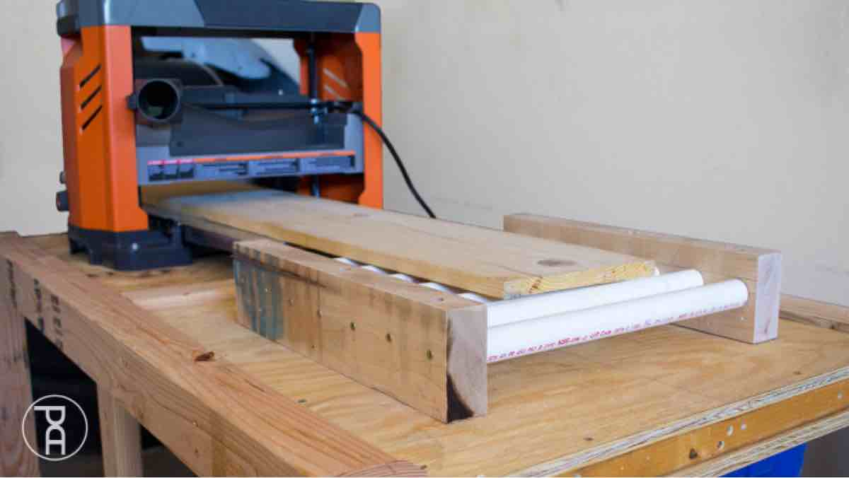 How to build outfield rollers for your bench top planer.