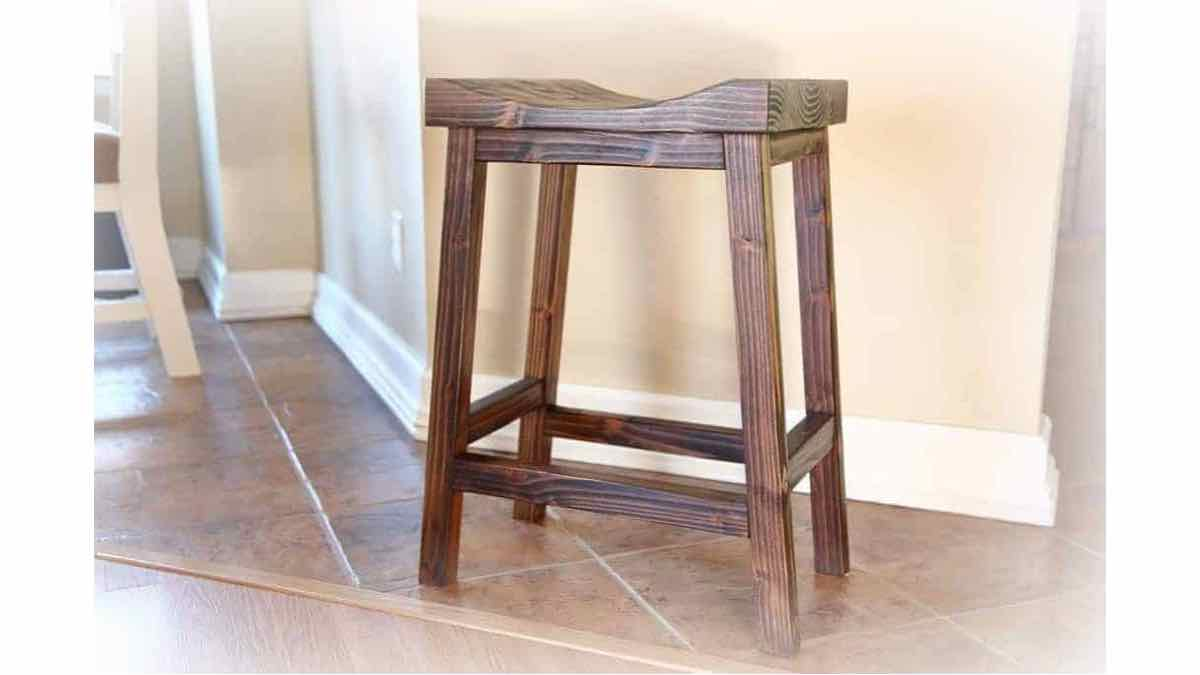 How to build a wooden stool.