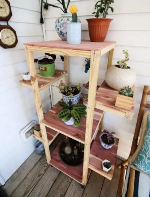 Free plans to build a Rolling Plant Stand.