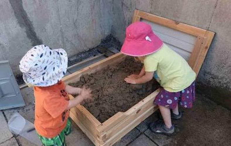 Free plans to build a Raised Sandbox.