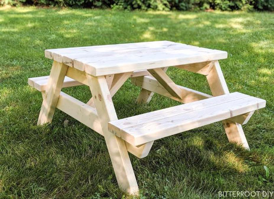 Free plans to build a Childrens Picnic Table.