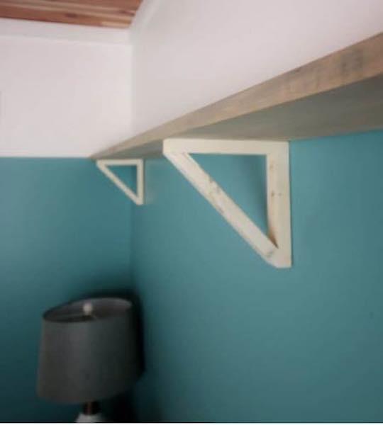 Free plans to build a Shelf Brackets.