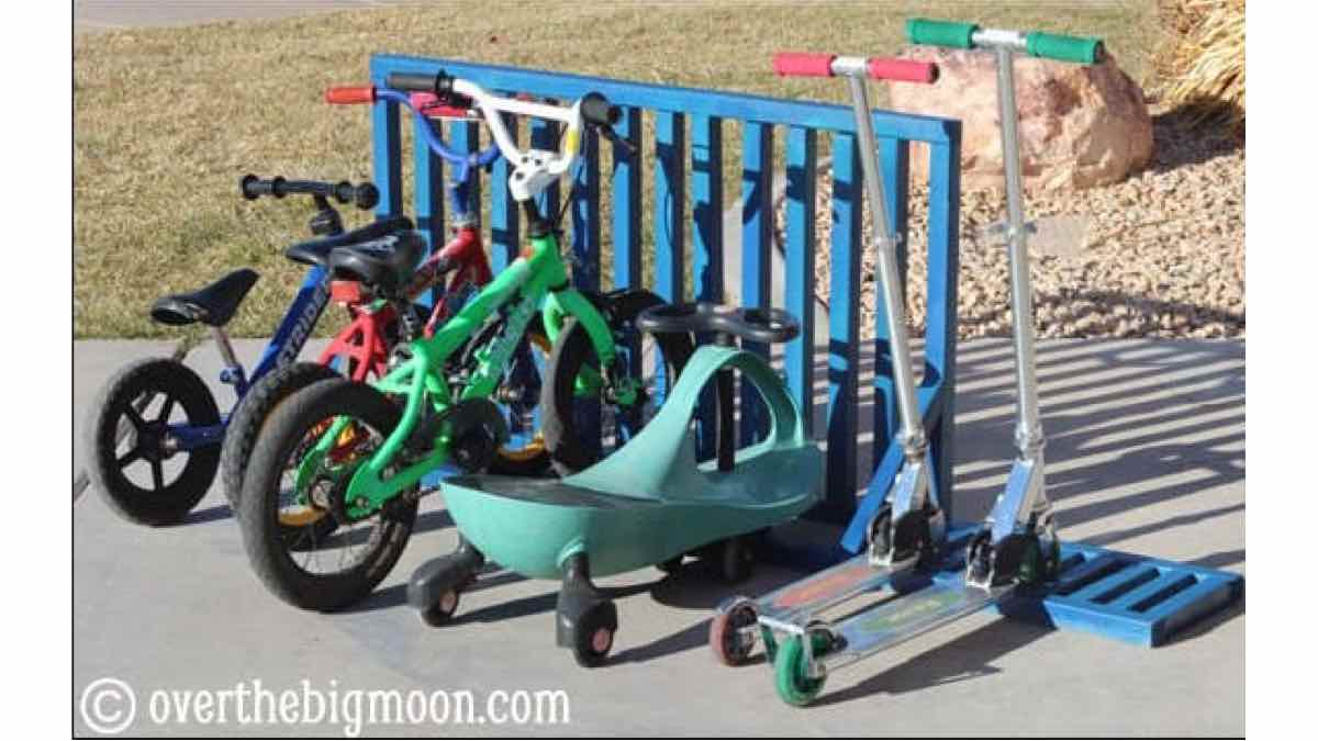 Free woodworking plans to build a bike and scooter rack.