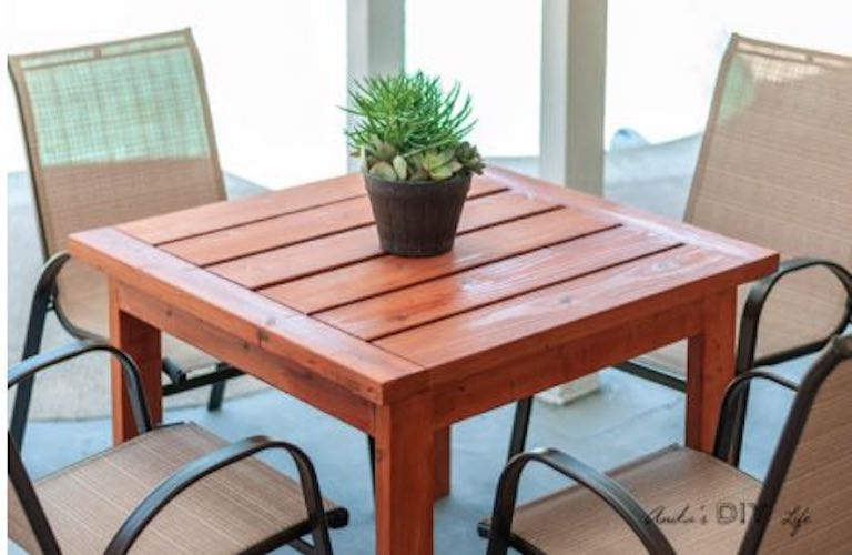 Free plans to build a Square Outdoor Dining Table.