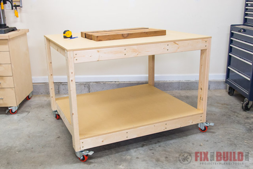 Free woodworking plans to build a mobile work table.