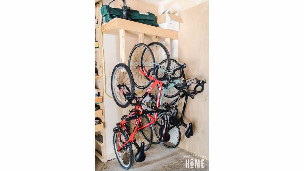 free woodworking plans, how to build a rack to hang your bikes.