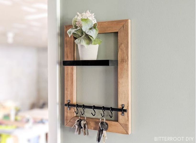 Free plans to build a Key Holder with Shelf.