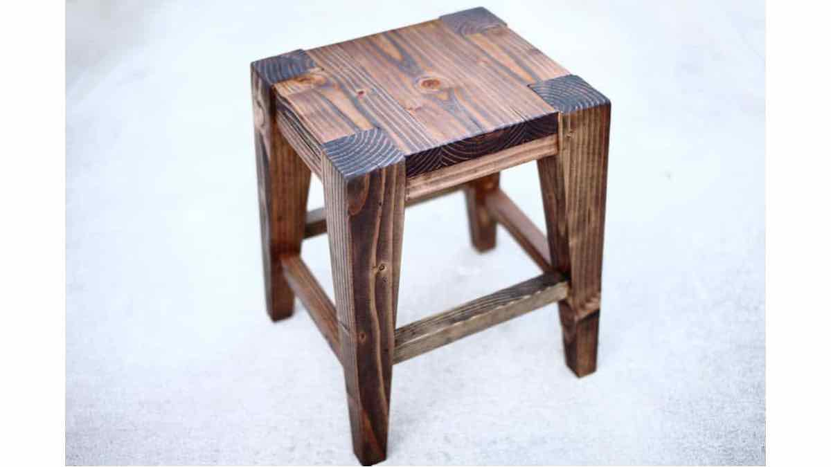 Free woodworking plans to build a small bar stool.