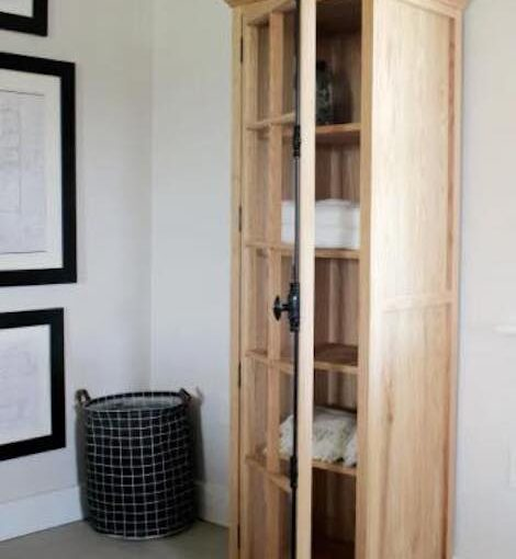 Free plans to build a Linen Cabinet.