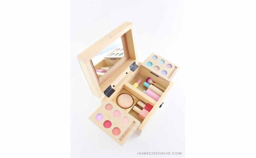 Toy Makeup Set