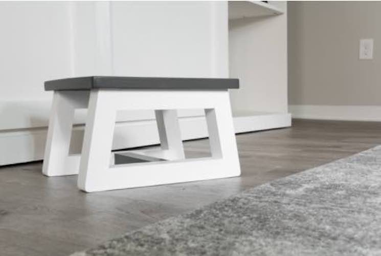 Free plans to build a Toddler Step Stool.