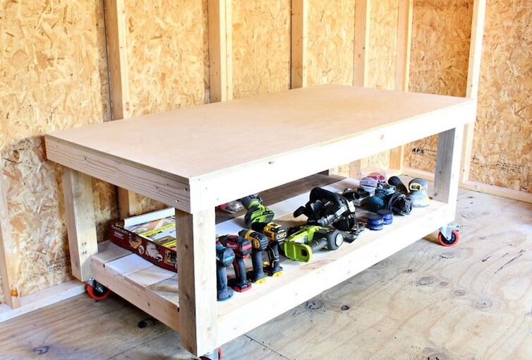 Free woodworking plans to build a low workbench.
