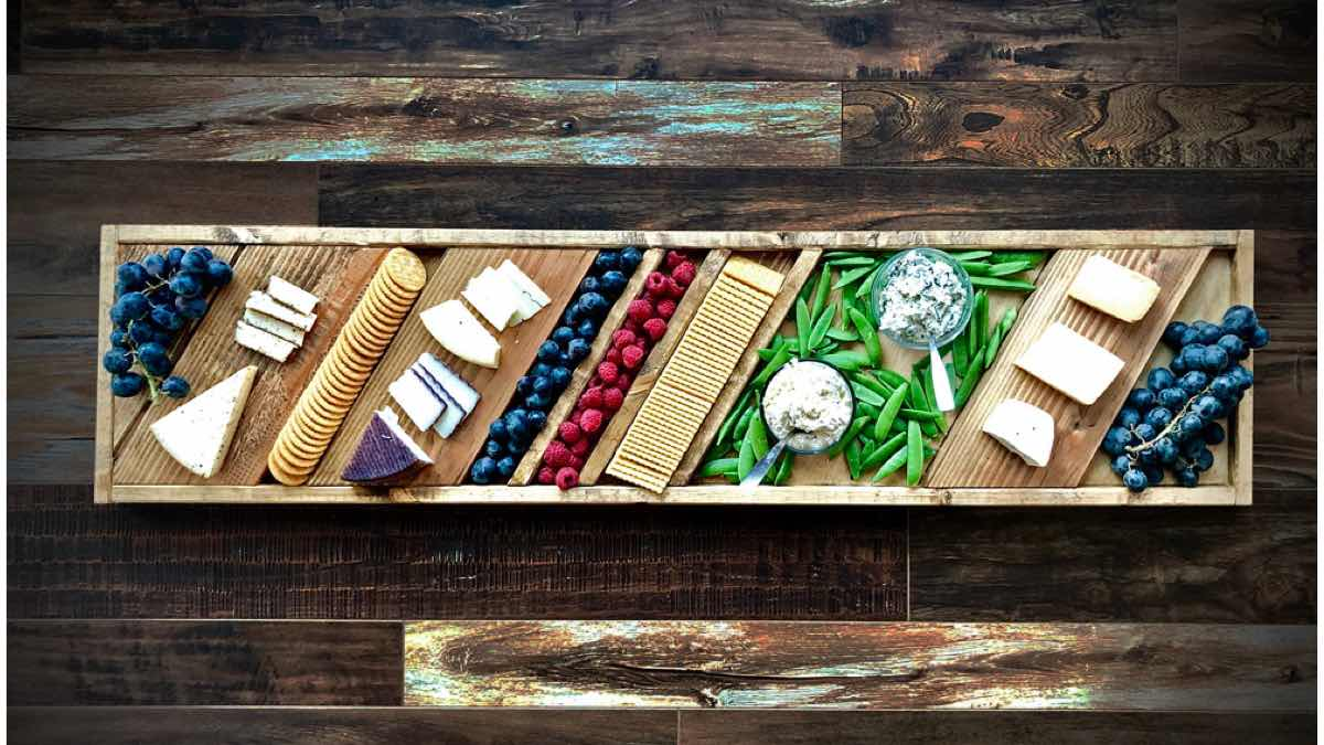 how to make a wooden grazing board