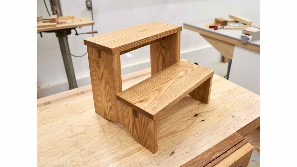 free woodworking plans, how to build step stools, stepstool building instructions.