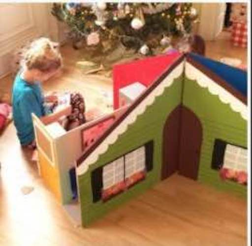 Free plans to build a Collapsible Dollhouse.