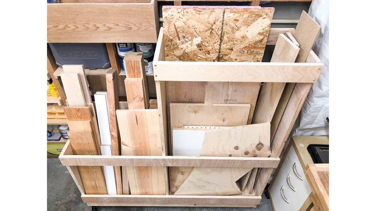 Free plans to build a lumber cart.