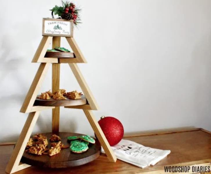 Free plans to build a Tiered Plate Stand.