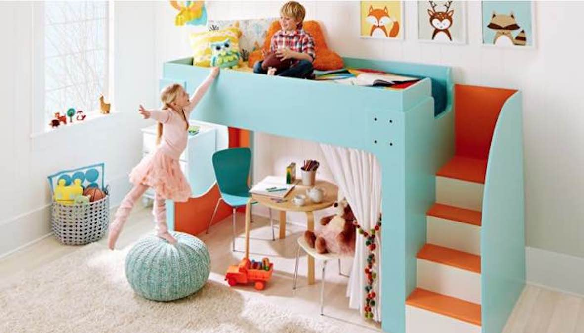 Free plans to build a Junior Loft Bed.