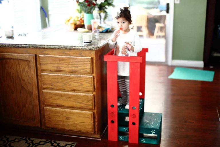 Free woodworking plans to build a Toddler Step Stool.