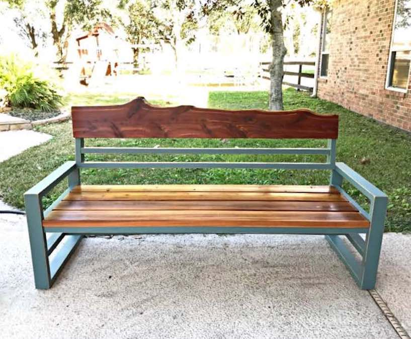 Free plans to build an Outdoor Patio Sofa.