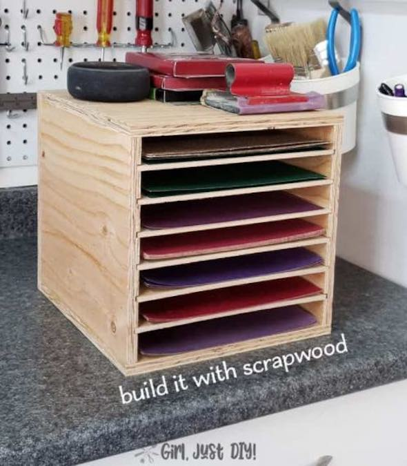 Free plans to build a plywood Sandpaper Storage Rack.