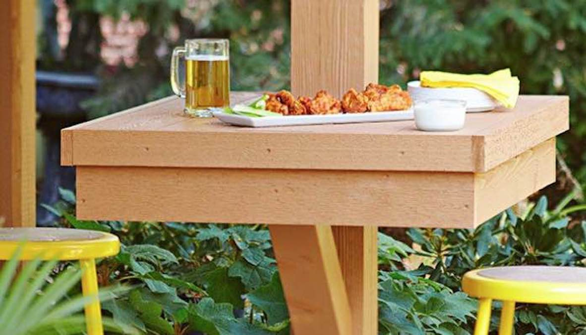 Free plans to build a Post Mounted Patio Table.