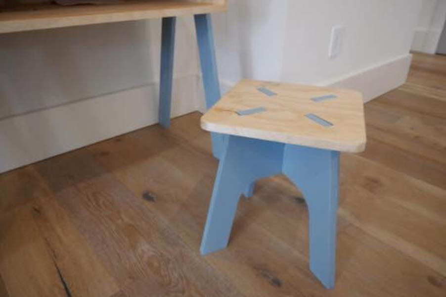 Free plans to build a Knockdown Stool for Kids.