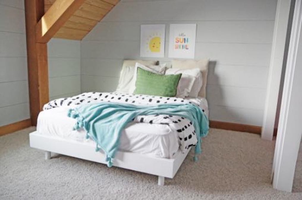 Free plans to build any size Modern Platform Bed.