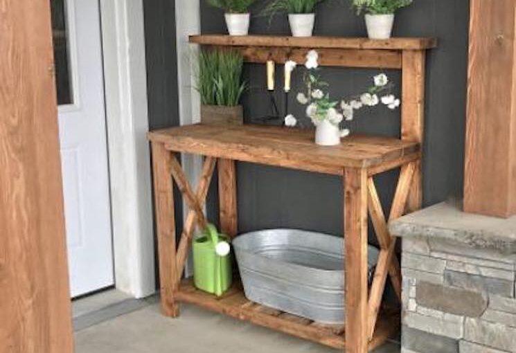 Free plans to build a Farmhouse Potting Bench.