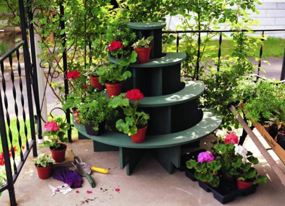 Free plans to build a Folding Plant Stand.