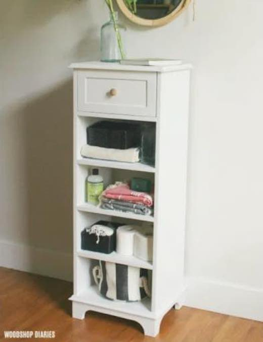 Free plans to build a Linen Shelf Cabinet.