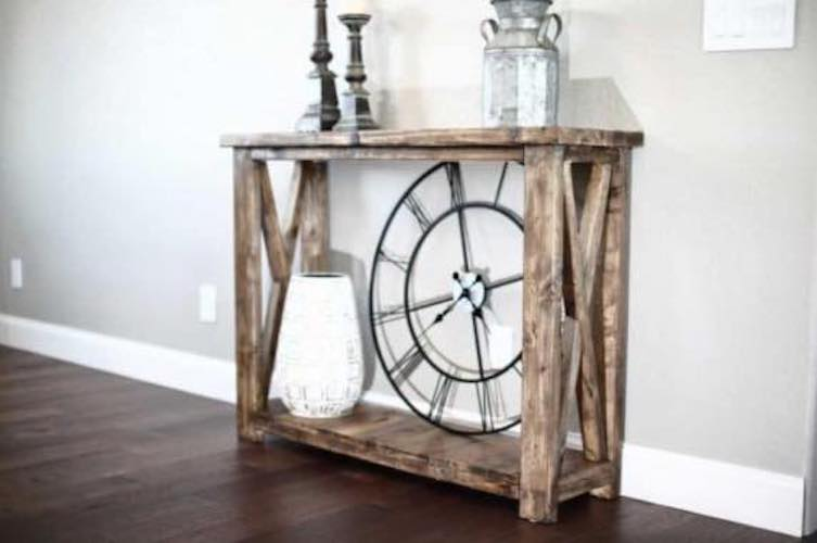 Free plans to build a Farmhouse Console Table.