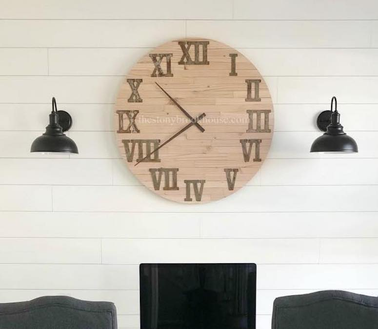 Free plans to build a Large Round Clock.