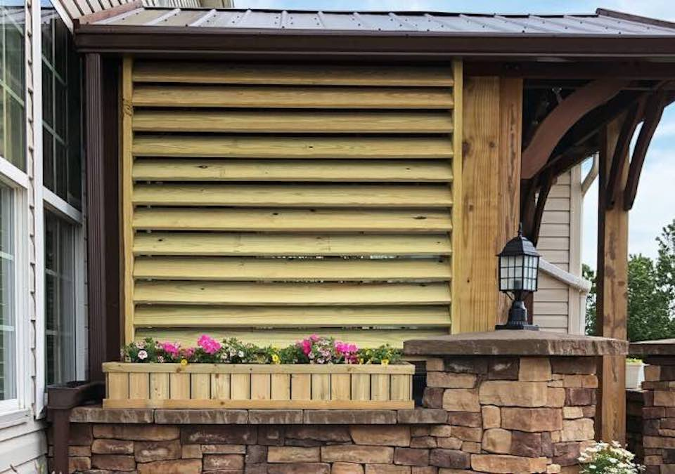 Build a Privacy Screen For Outdoors with free plans.