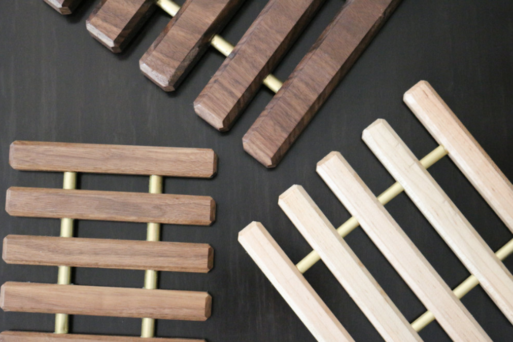 Free plans to build Trivets from Scrap Wood.