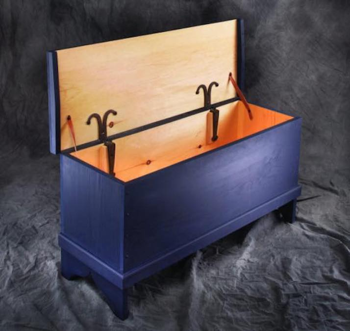 Free plans to build a 6 Board Chest.