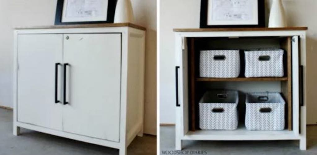 Free plans to build a Pocket Door Cabinet.