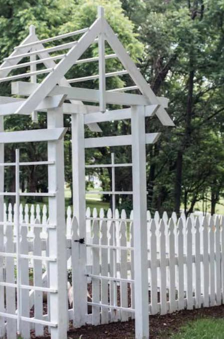 Free plans to Build an Arbor.