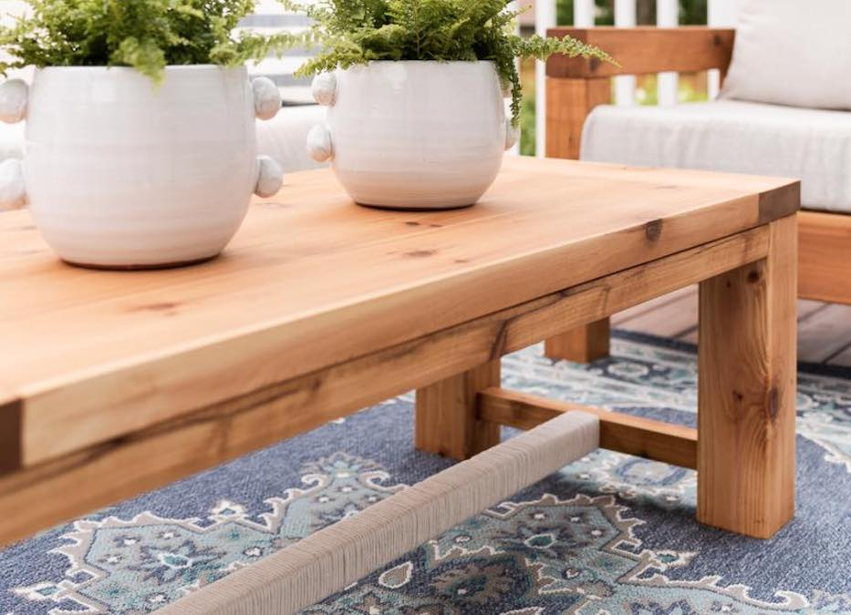 Free plans to build an Outdoor Coffee Table.