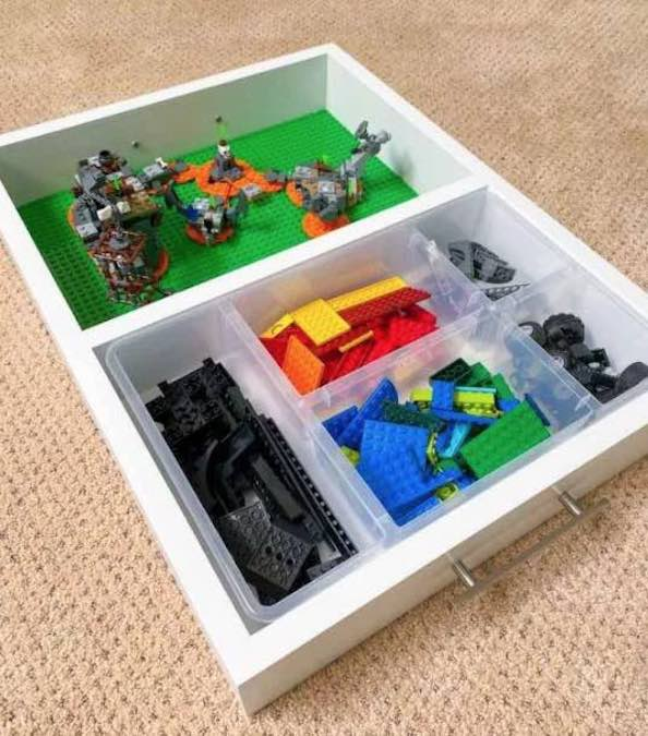 Build a handy Lego Tray with free plans.