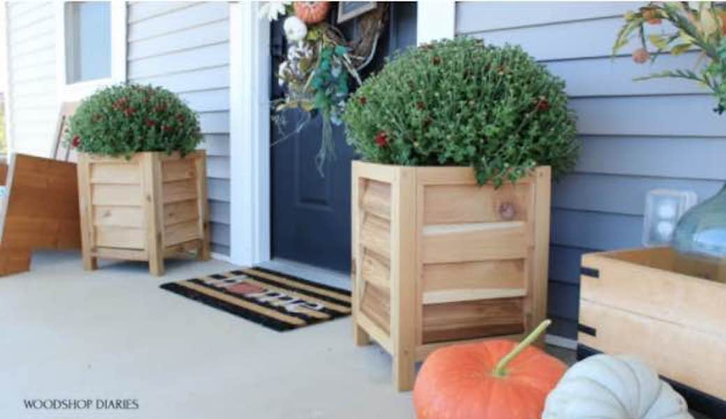 Free plans to build a Louvered Planter Box.