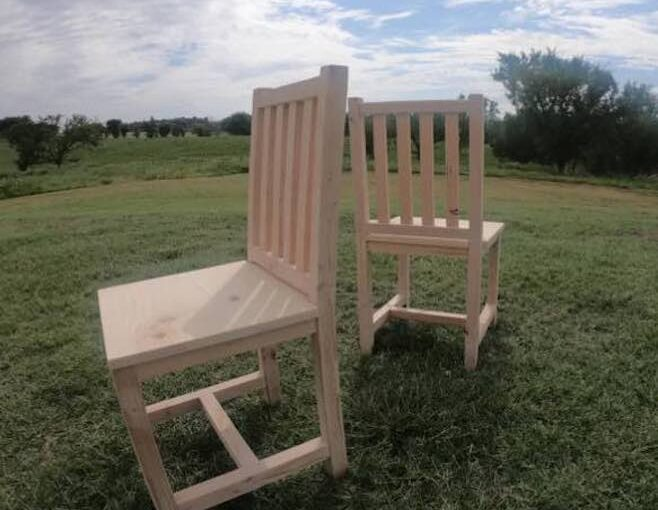 Easy-To-Build-Dining Chair