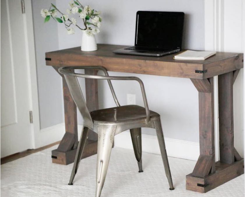 Build a Modern Farmhouse Desk Plan using free plans.