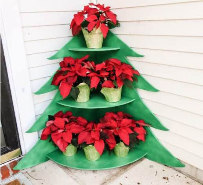 Free plans to build a Christmas Tree Poinsettia Stand.
