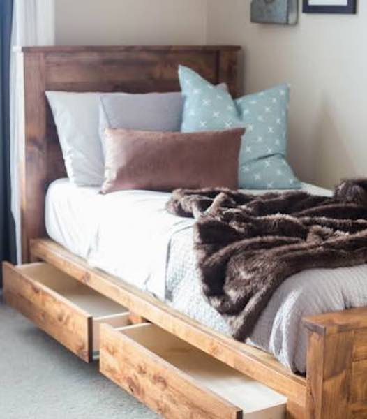 Free plans to build a DIY Twin Storage Bed.
