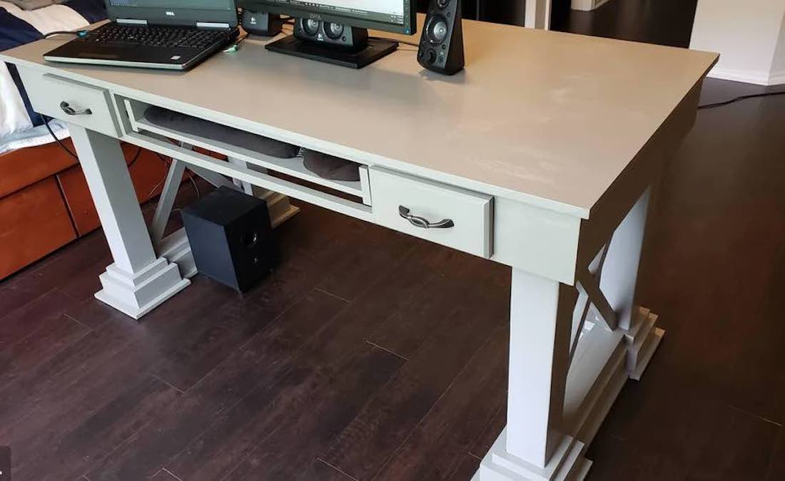 Free plans to build a Home Office Desk.