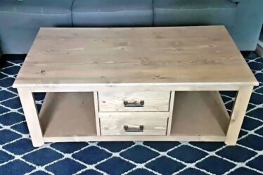 Free plans to build a Coffee Table With 2 Drawers.